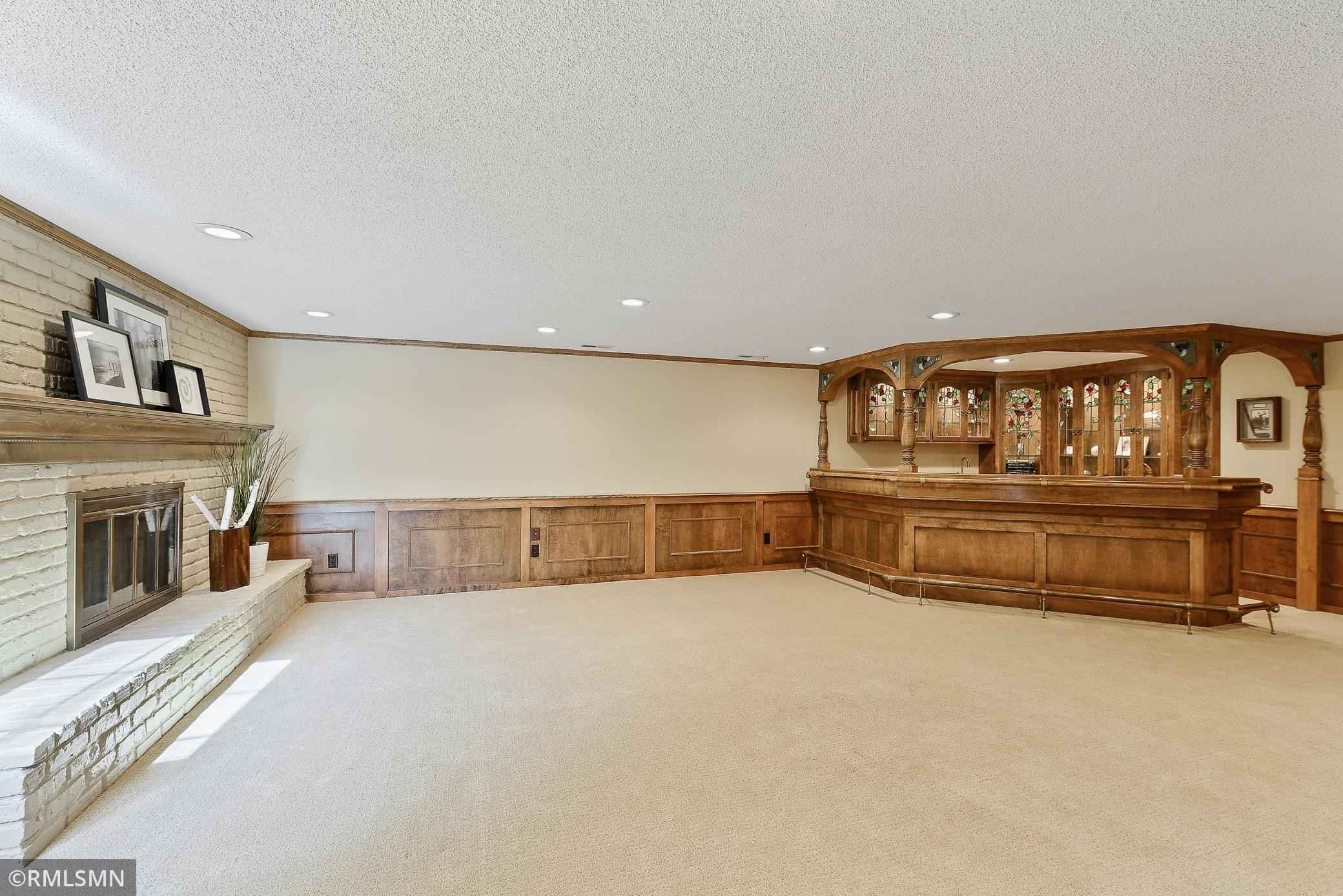 View 24 photos of this 4 bed, 4 bath, and 5,618 sqft. single_family home located at 6500 Willow Wood Rd, Edina, Minnesota 55436 is Active for $1,500,000.