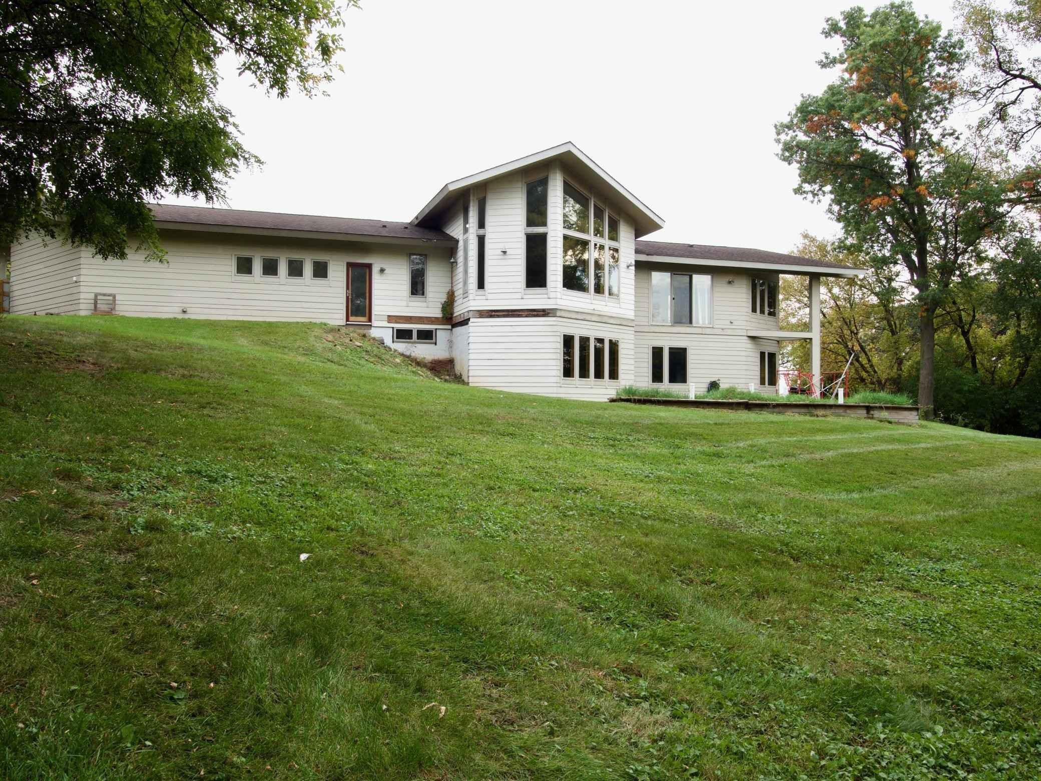 View 33 photos of this 3 bed, 3 bath, and 2,532 sqft. single_family home located at 5272 Stagecoach Trl N, Oak Park Heights, Minnesota 55082 is Active for $300,000.