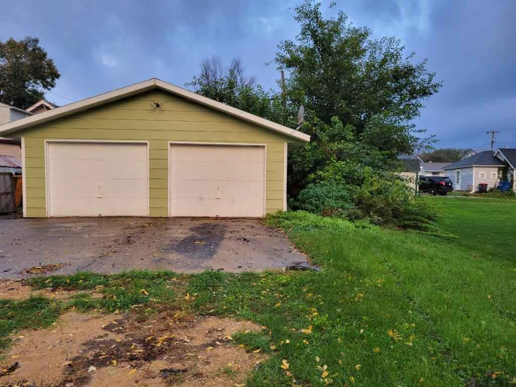 View 7 photos of this 3 bed, 2 bath, and 2,200 sqft. single_family home located at 516 Hodgman St, Red Wing, Minnesota 55066 is Active for $217,000.