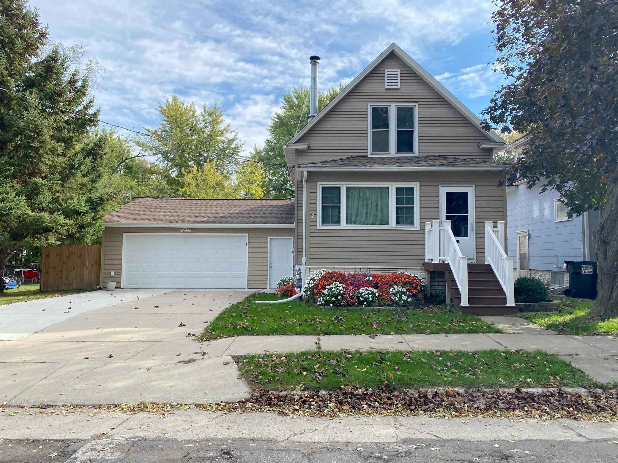 View 33 photos of this 2 bed, 2 bath, and 1,120 sqft. single_family home located at 314 Winter Ave, Albert Lea, Minnesota 56007 is Active for $139,900.
