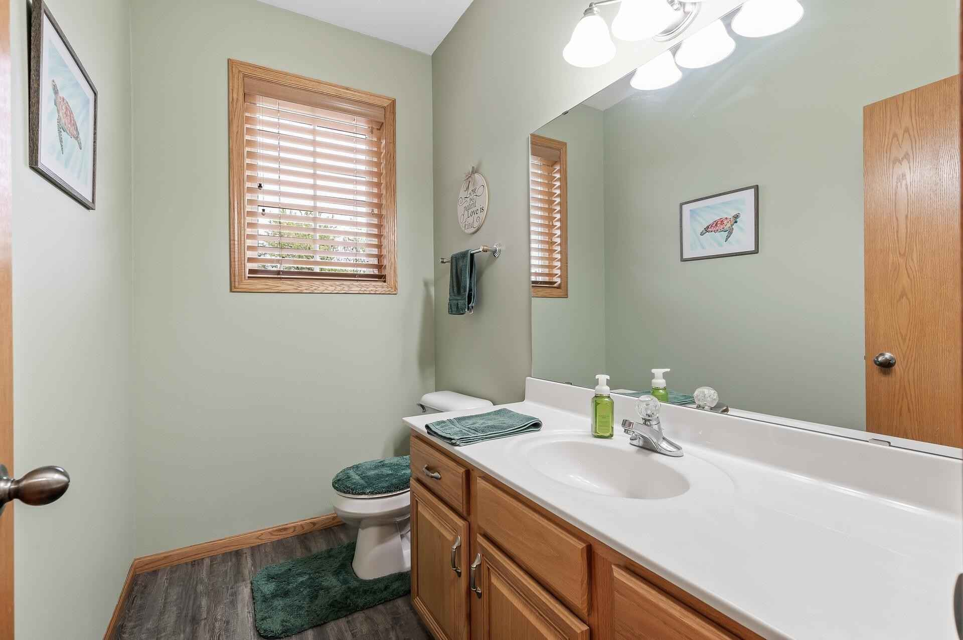 View 57 photos of this 5 bed, 4 bath, and 3,245 sqft. single_family home located at 106 Kinglet Ct, Hastings, Minnesota 55033 is _0 for $.