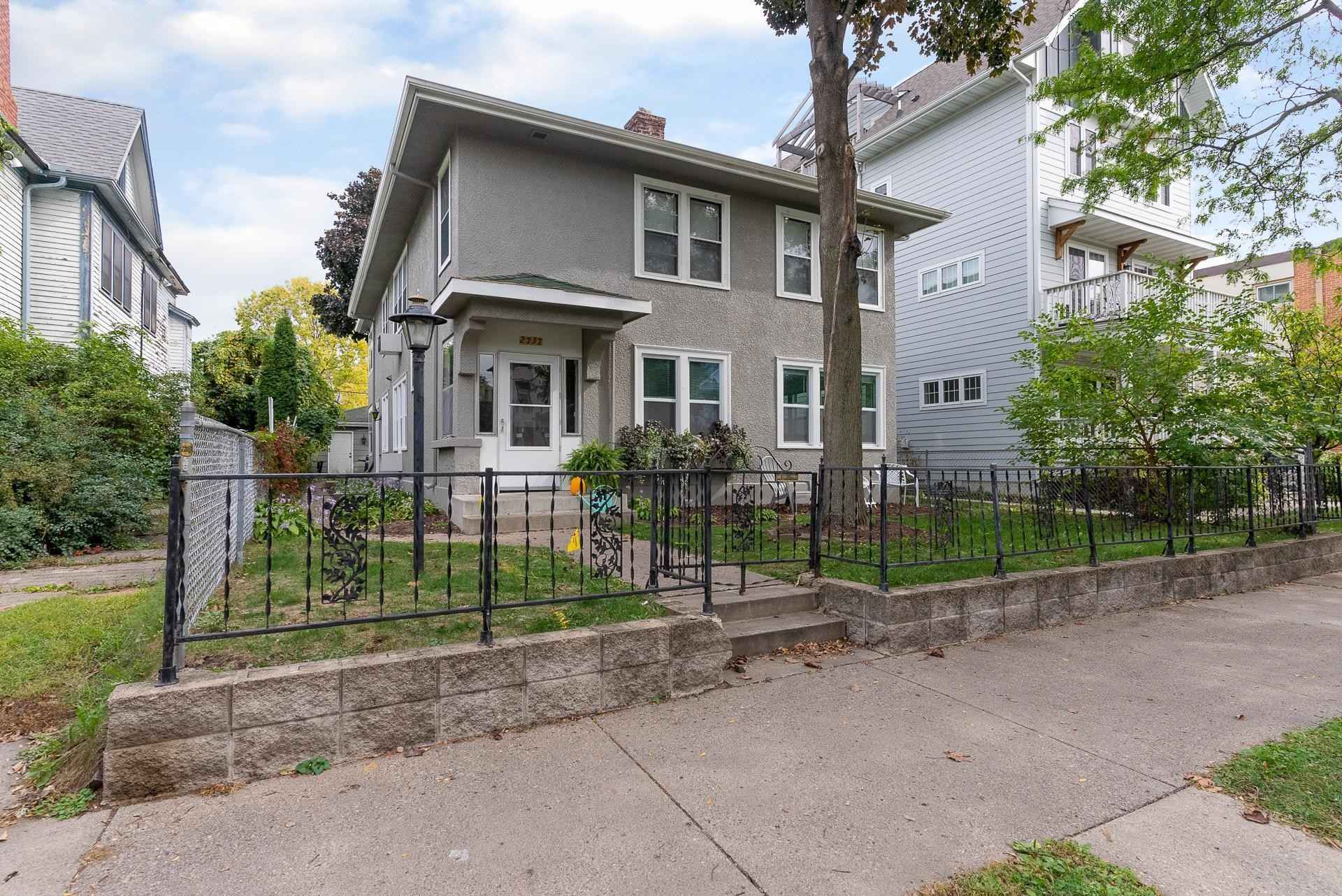 View 51 photos of this 4 bed, 2 bath, and 2,520 sqft. multi_family home located at 2737 Dupont Ave S, Minneapolis, Minnesota 55408 is Active for $599,000.