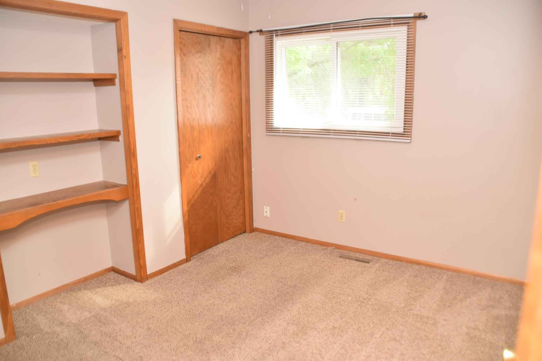 View 11 photos of this 3 bed, 2 bath, and 1,584 sqft. single_family home located at 10491 Quince St NW, Coon Rapids, Minnesota 55433 is Active for $294,100.