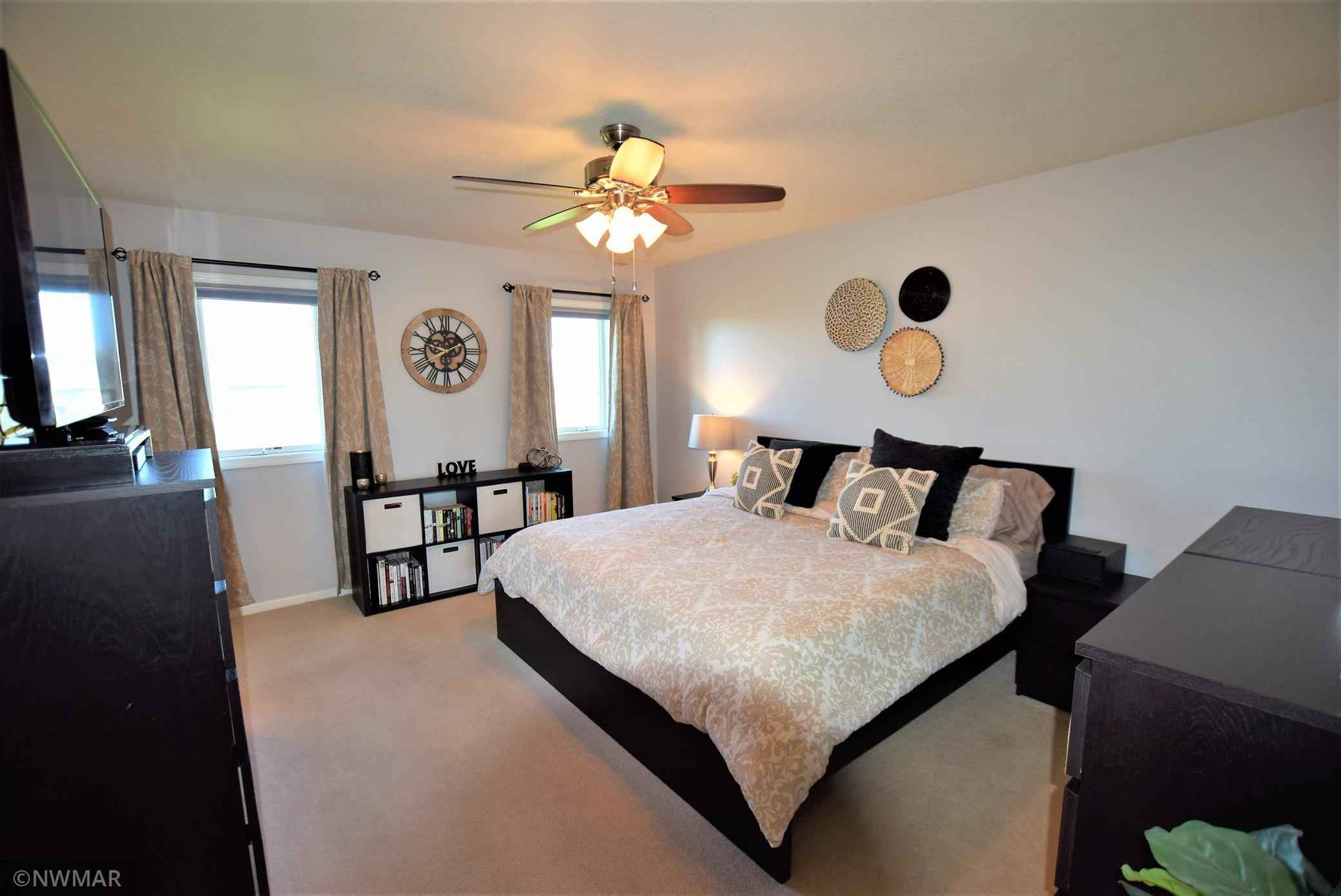 View 19 photos of this 4 bed, 3 bath, and 2,992 sqft. single_family home located at 622 Etta Ct, Roseau, Minnesota 56751 is Pending for $359,900.