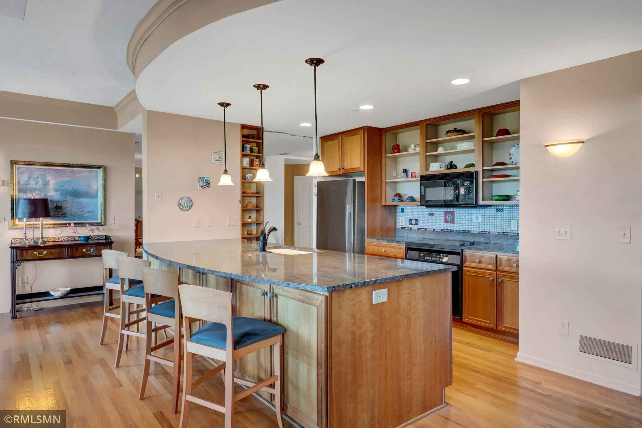 View 22 photos of this 2 bed, 3 bath, and 1,873 sqft. condo home located at 8301 Creekside Cir Apt 570, Bloomington, Minnesota 55437 is Active for $619,900.