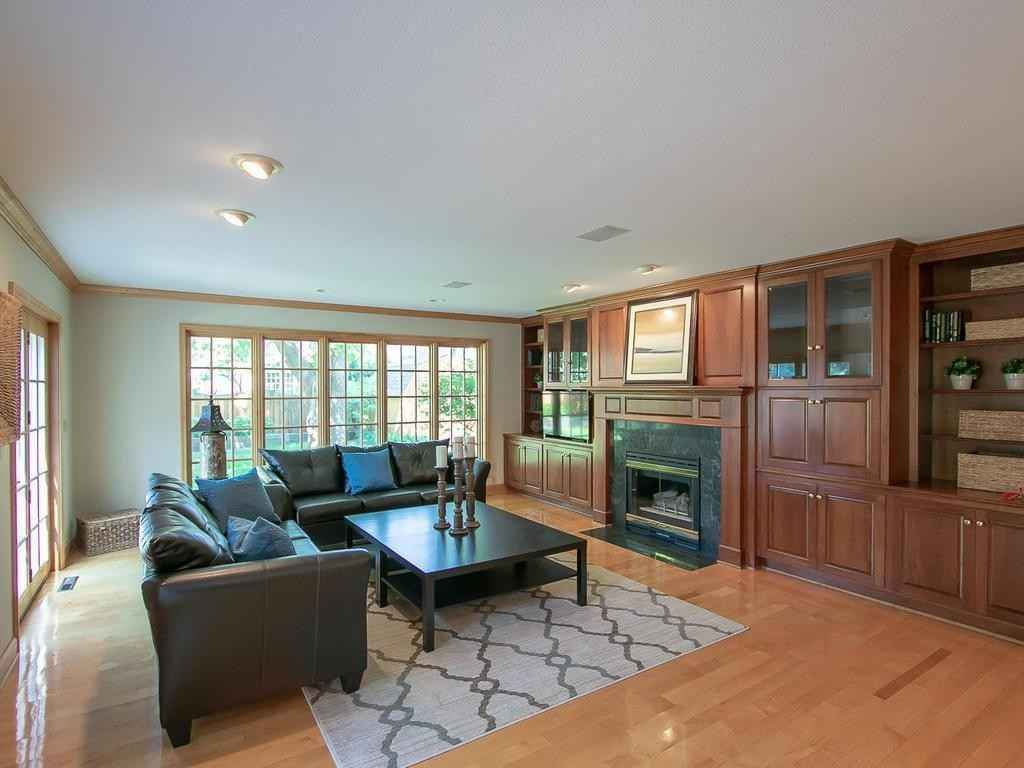 View 24 photos of this 3 bed, 2 bath, and 2,960 sqft. single_family home located at 4804 Maple Rd, Edina, Minnesota 55424 is Active for $799,000.