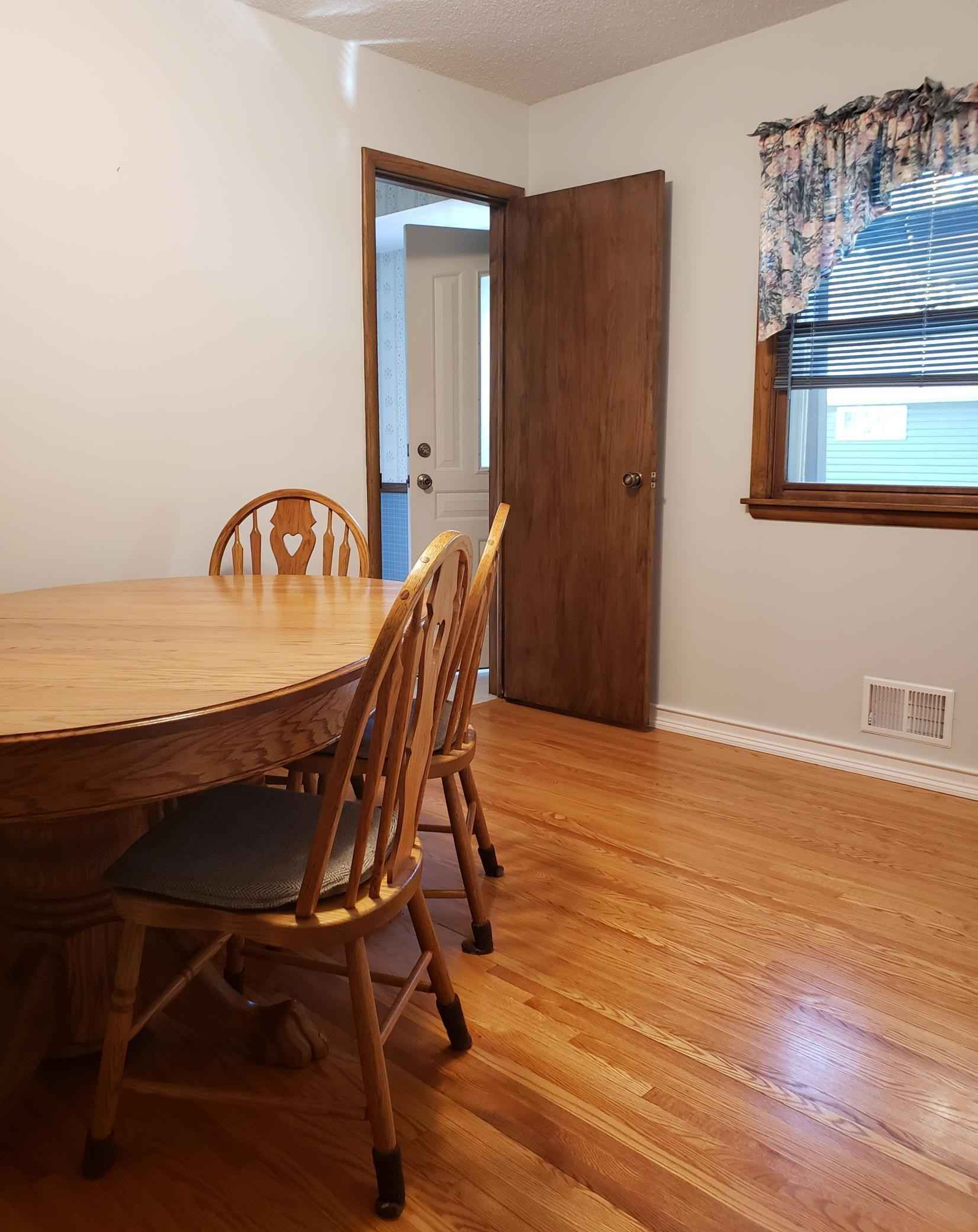 View 24 photos of this 3 bed, 1 bath, and 1,410 sqft. single_family home located at 6607 50th Ave N, Crystal, Minnesota 55428 is Active for $275,000.