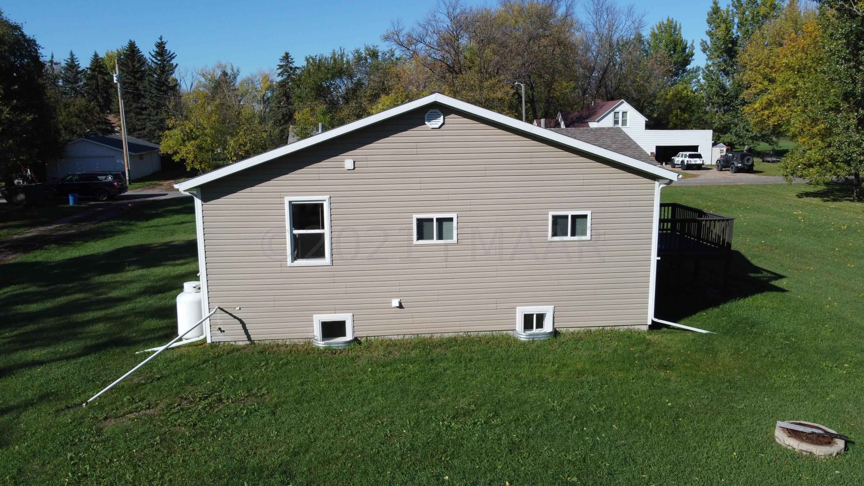 View 46 photos of this 3 bed, 2 bath, and 2,090 sqft. single_family home located at 351 Haylett St, Hendrum, Minnesota 56550 is Active for $154,300.
