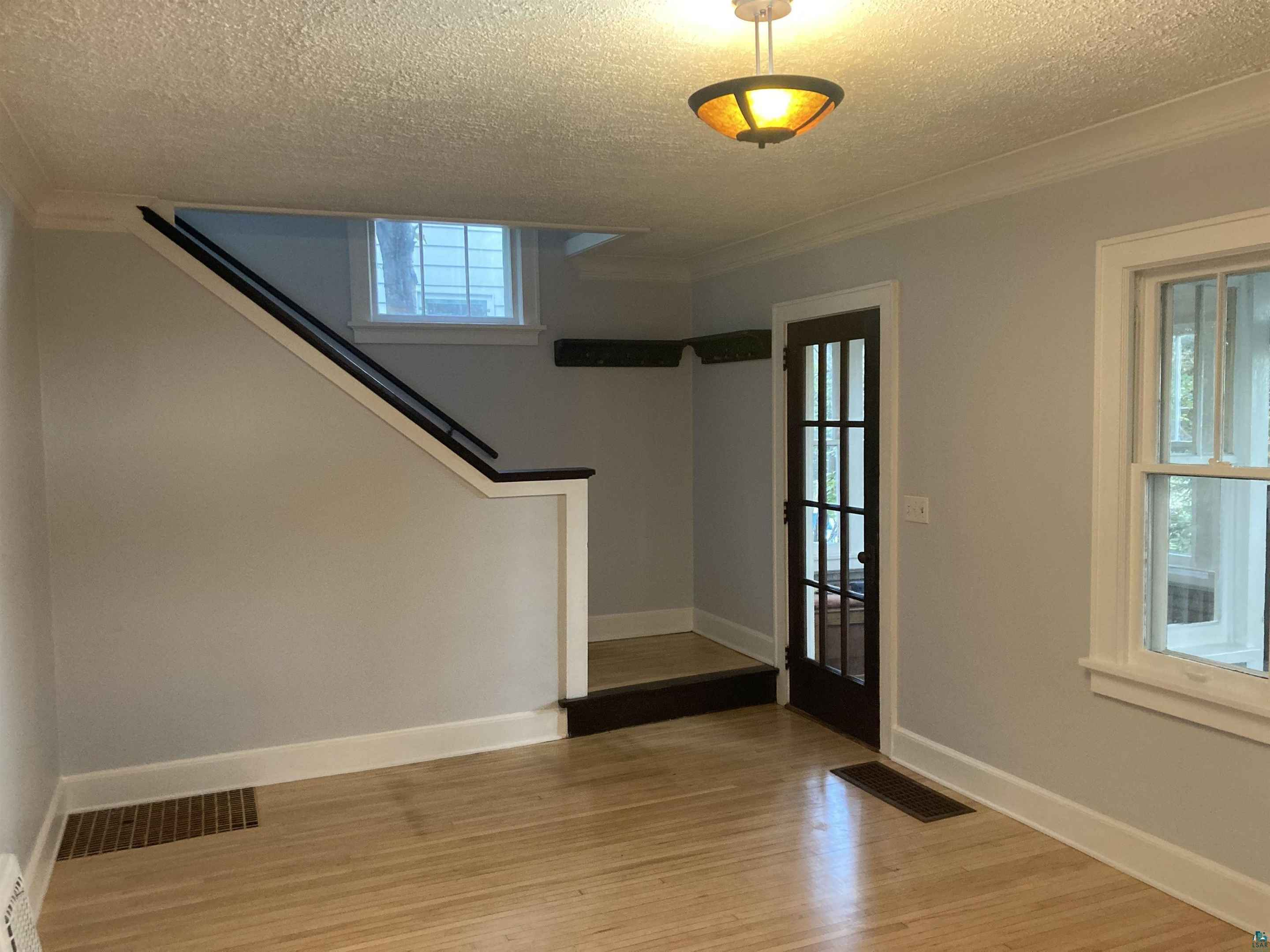 View 28 photos of this 2 bed, 1 bath, and 924 sqft. single_family home located at 1415 Belmont Rd, Duluth, Minnesota 55805 is Inspection cont (mn) for $184,900.