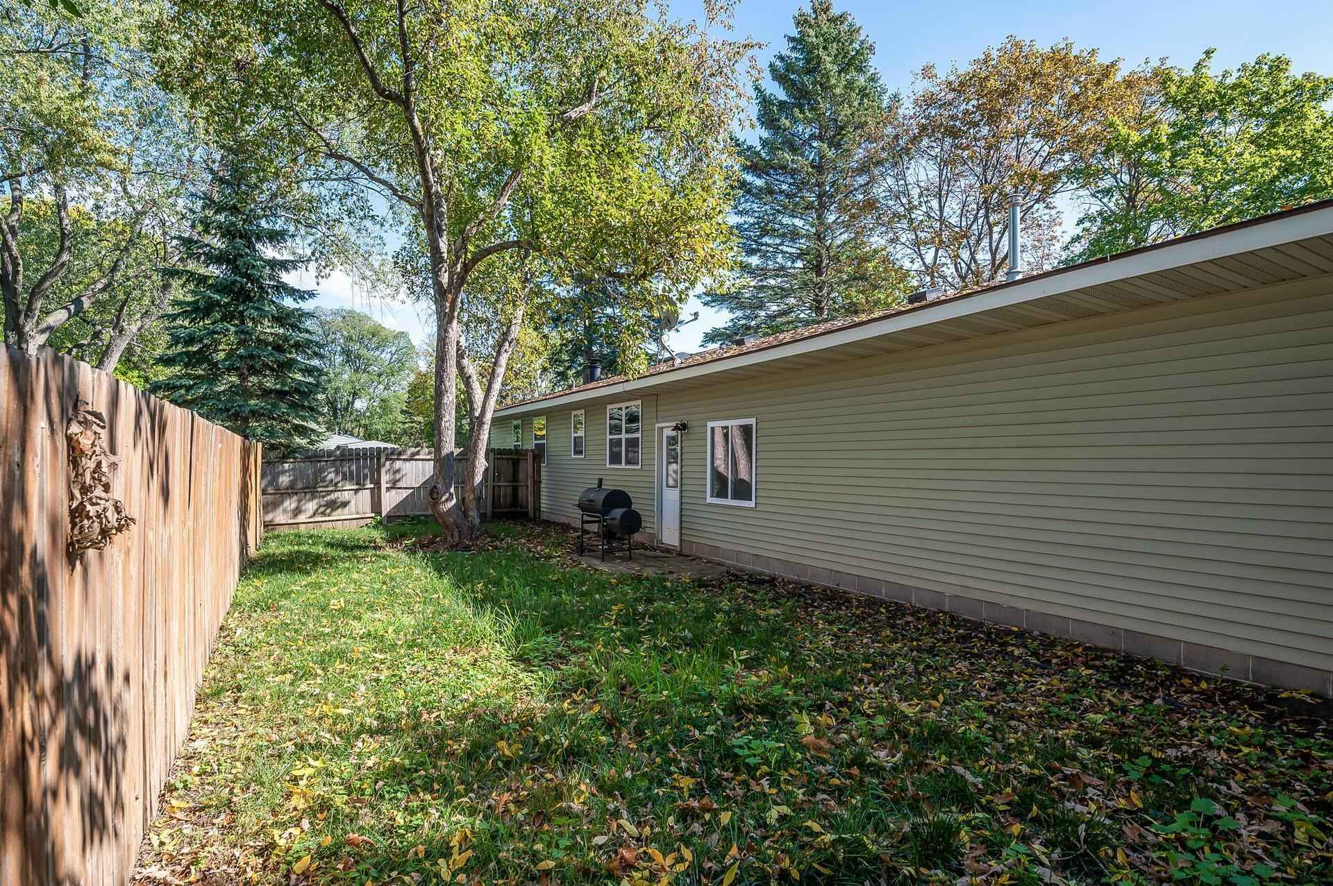 View 36 photos of this 3 bed, 2 bath, and 1,924 sqft. single_family home located at 6601 Jersey Ave N, Brooklyn Park, Minnesota 55428 is Pending for $274,900.
