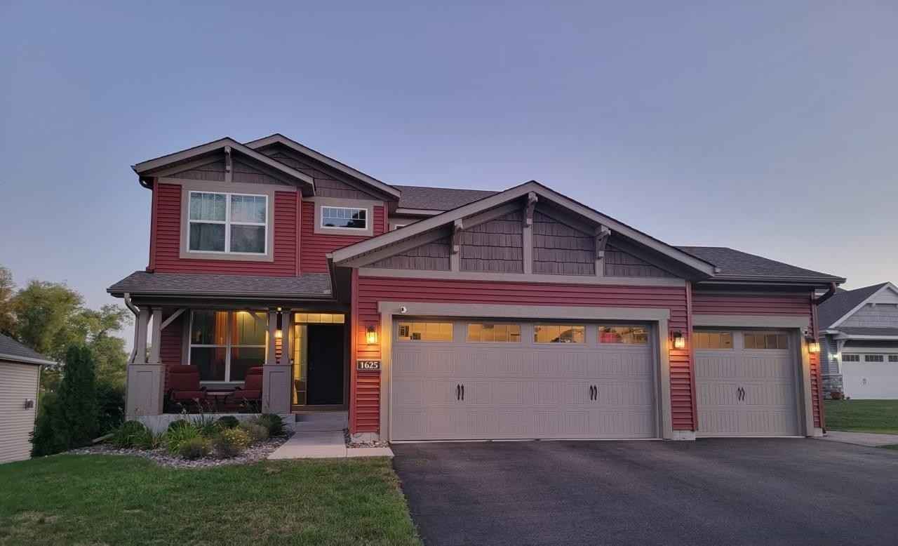 View 1 photos of this 5 bed, 4 bath, and 3,196 sqft. single_family home located at 1625 Interlaken Ct, Waconia, Minnesota 55387 is Pending for $499,900.