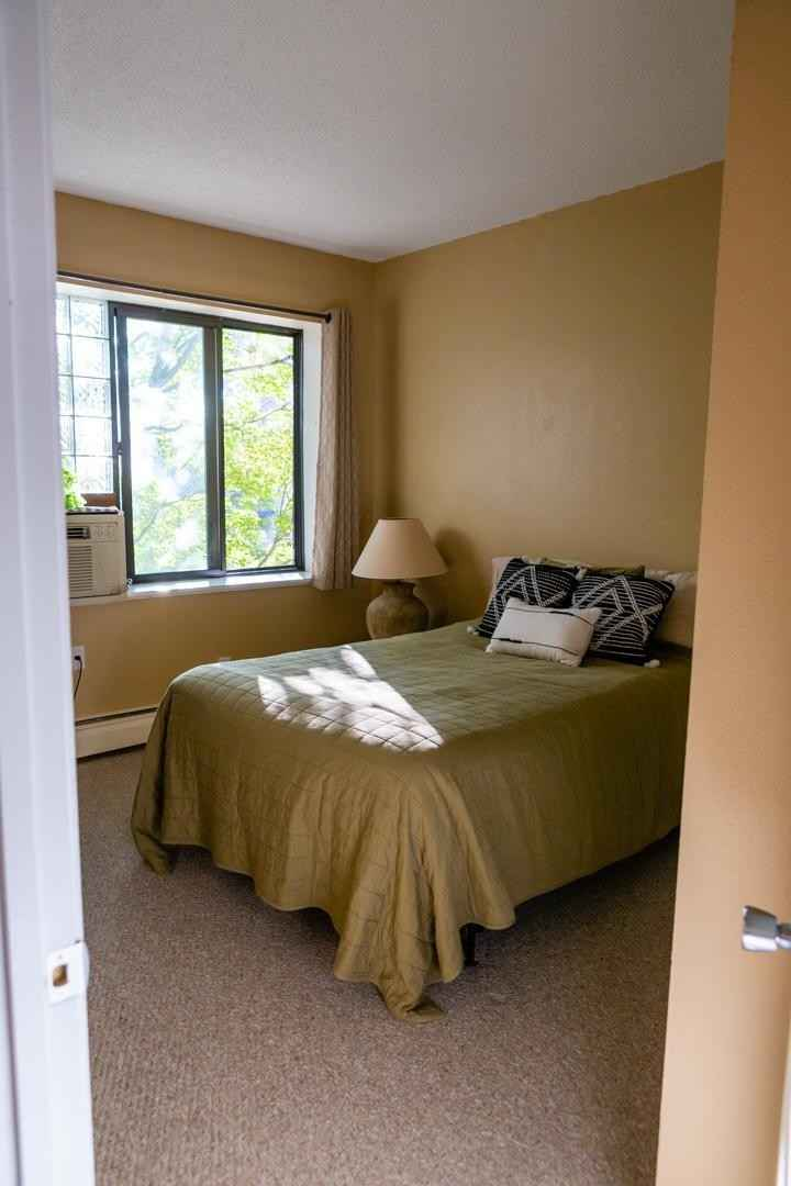 View 20 photos of this 2 bed, 1 bath, and 867 sqft. condo home located at 718 Portland Ave Apt J, Saint Paul, Minnesota 55104 is Active for $185,000.
