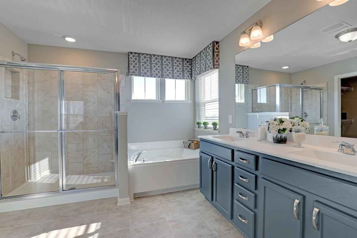 View 26 photos of this 5 bed, 3 bath, and 3,003 sqft. single_family home located at 2188 Windermere Cir, Shakopee, Minnesota 55379 is Pending for $608,230.
