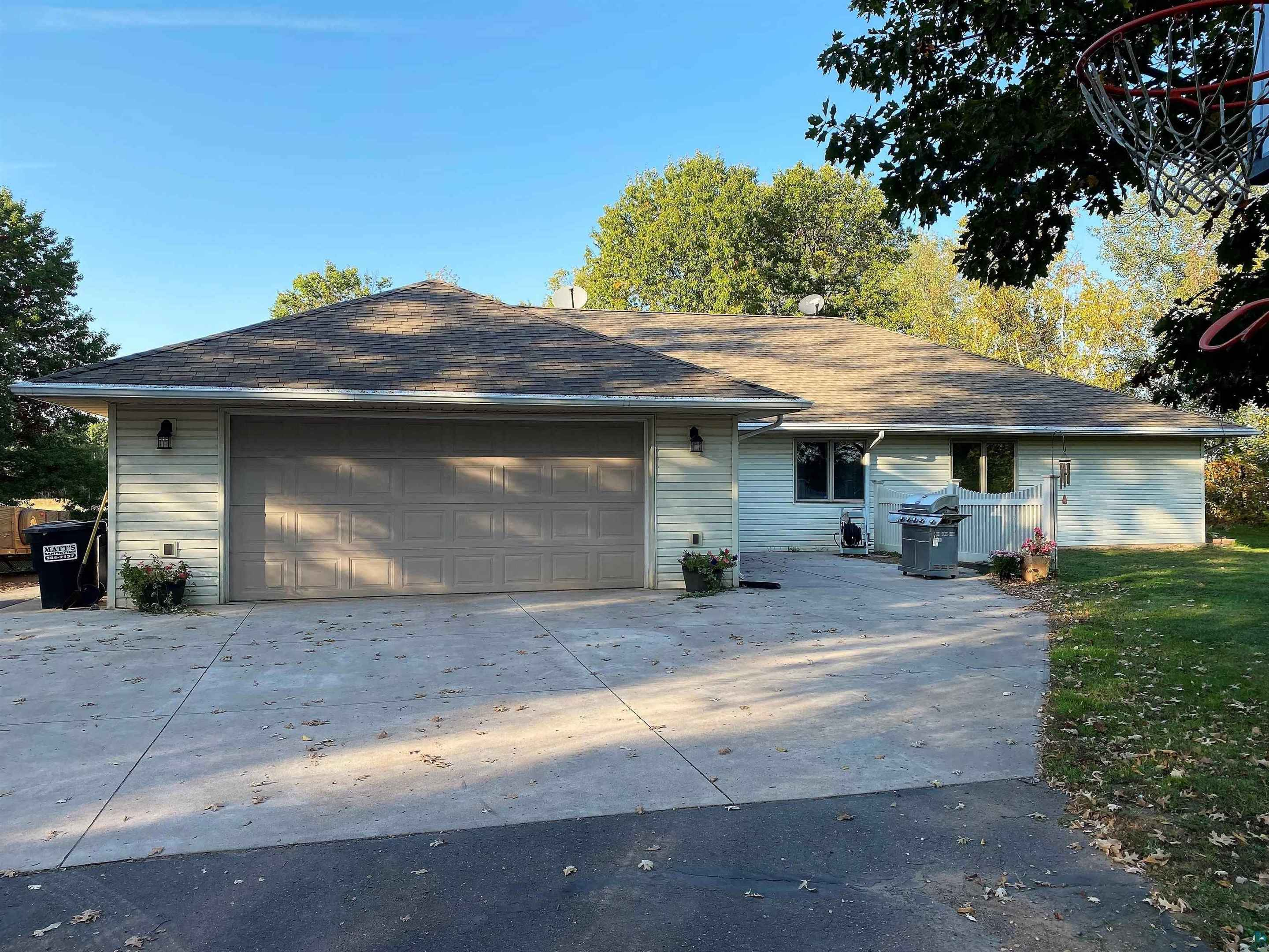 View 26 photos of this 3 bed, 2 bath, and 1,860 sqft. single_family home located at 25489 Pelkey Creek Rd, Hinckley, Minnesota 55037 is Inspection cont (mn) for $299,900.