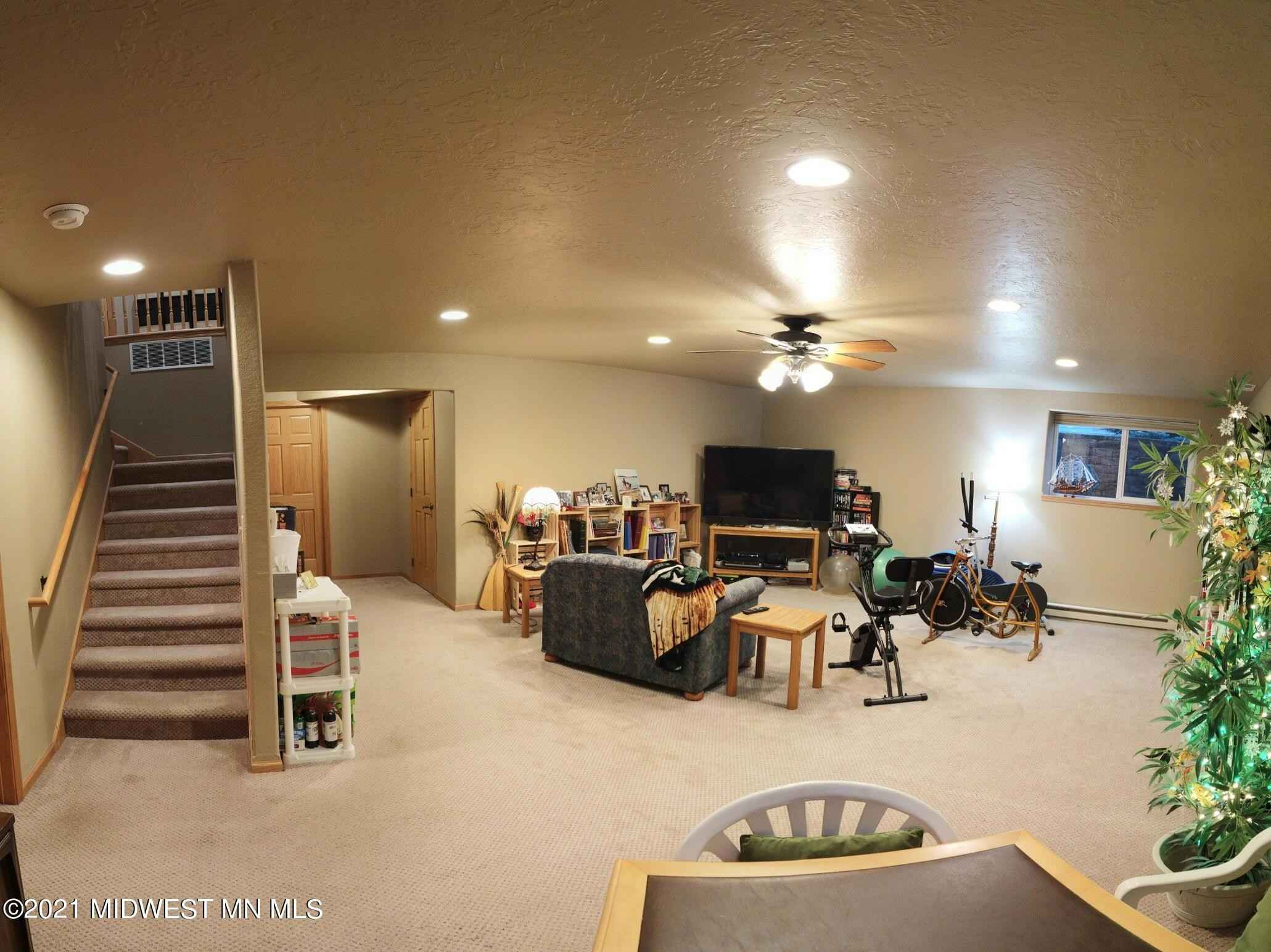 View 36 photos of this 3 bed, 3 bath, and 2,760 sqft. condo home located at 917 Lake Forest Cir, Detroit Lakes, Minnesota 56501 is Active for $479,000.