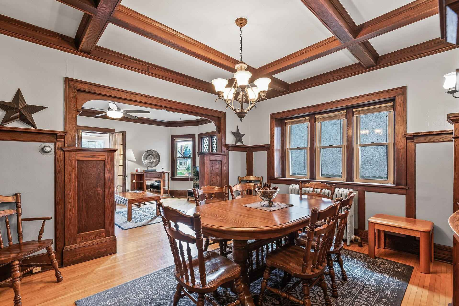 View 26 photos of this 6 bed, 3 bath, and 2,992 sqft. multi_family home located at 3620 Lyndale Ave S, Minneapolis, Minnesota 55409 is Pending for $500,000.