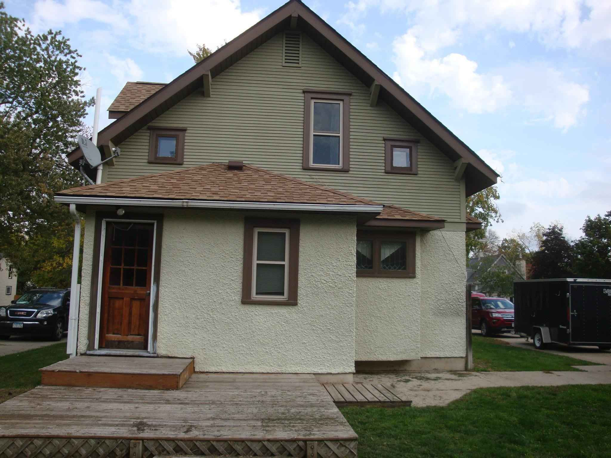 View 18 photos of this 3 bed, 2 bath, and 2,026 sqft. single_family home located at 711 N Holcombe Ave, Litchfield, Minnesota 55355 is Pending for $145,000.
