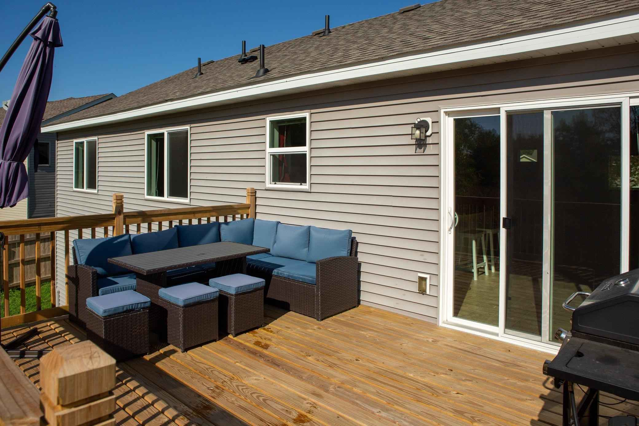 View 28 photos of this 3 bed, 2 bath, and 1,370 sqft. single_family home located at 412 Bremen Pass, Waverly, Minnesota 55390 is Pending for $289,900.