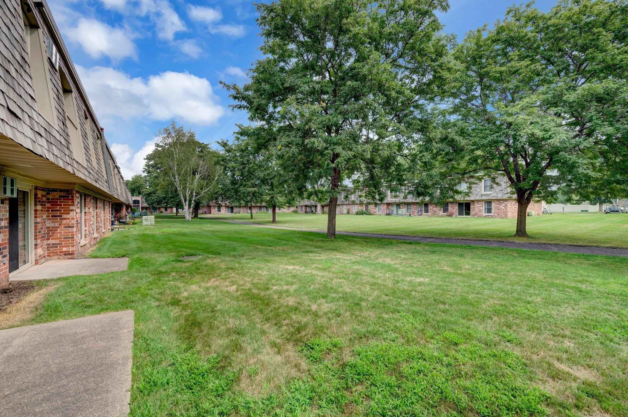 View 20 photos of this 2 bed, 1 bath, and 865 sqft. condo home located at 917 11th Ave S Apt 3, Hopkins, Minnesota 55343 is Active for $132,500.