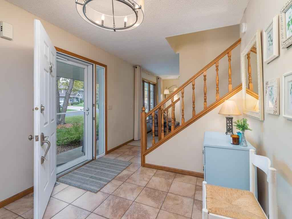 View 40 photos of this 5 bed, 4 bath, and 2,998 sqft. single_family home located at 19050 Echo Ln, Farmington, Minnesota 55024 is _0 for $.