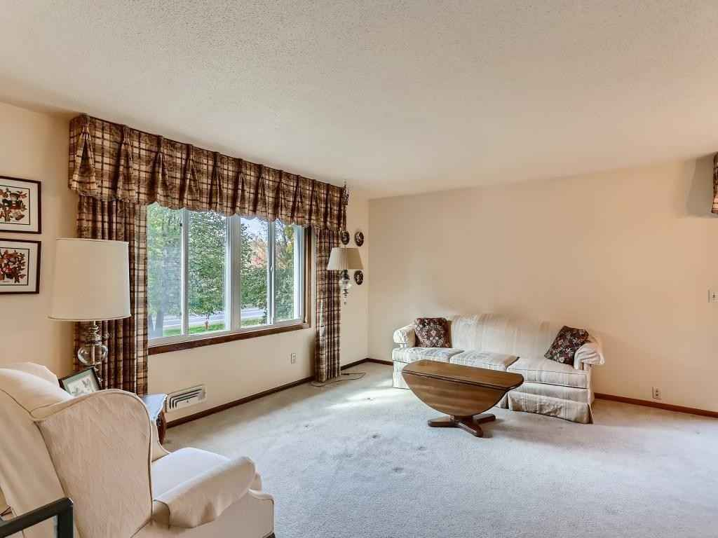 View 12 photos of this 2 bed, 2 bath, and 1,384 sqft. condo home located at 11056 104th Pl N, Maple Grove, Minnesota 55369 is Active for $229,900.