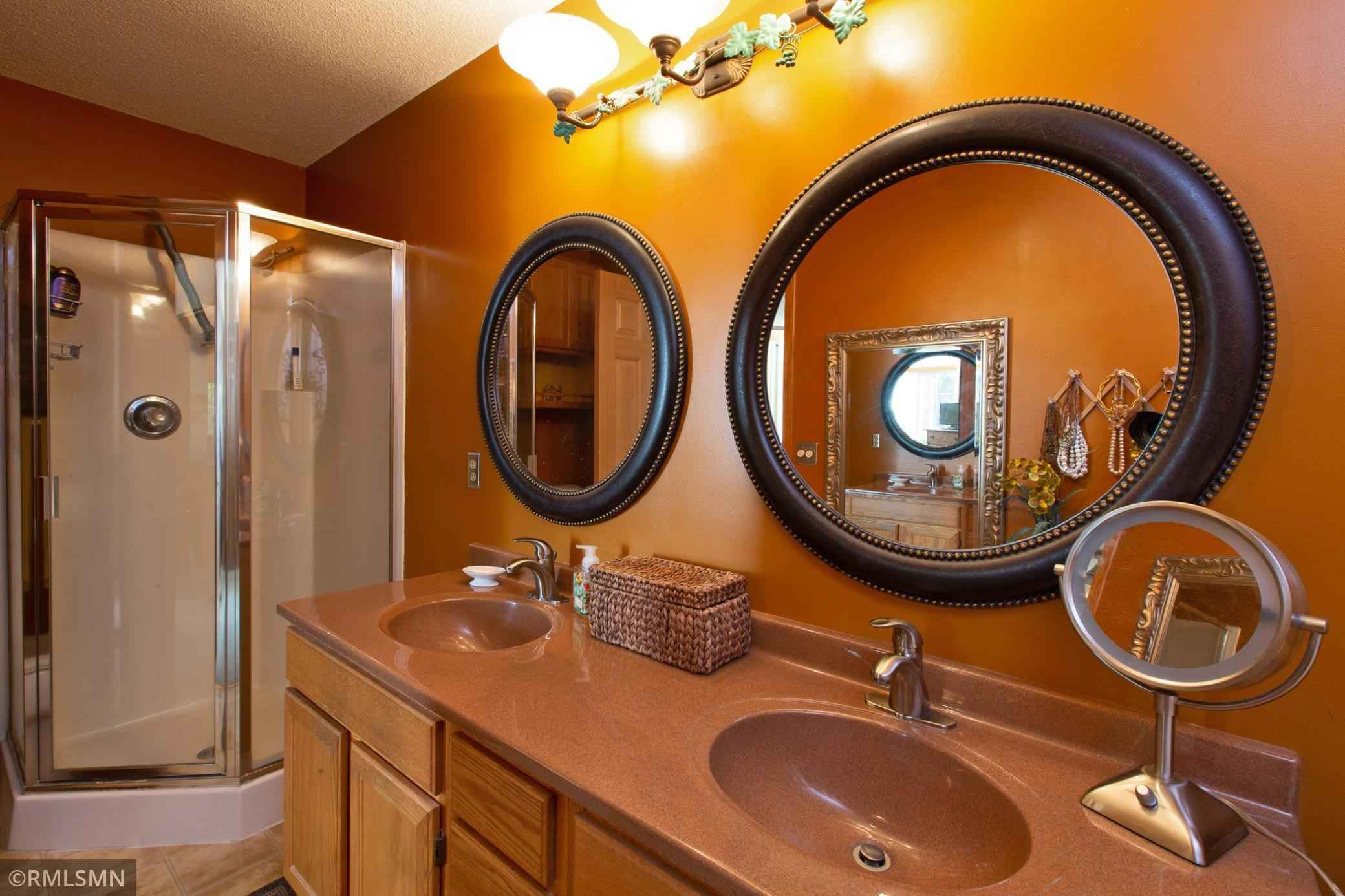 View 23 photos of this 2 bed, 2 bath, and 1,371 sqft. condo home located at 831 Knights Bridge Rd, New Brighton, Minnesota 55112 is Pending for $250,000.