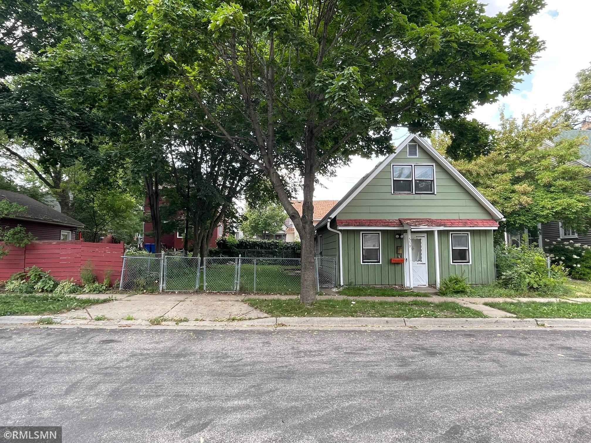 View 1 photos of this _0 bed, _0 bath, and  sqft. land home located at 559 Orleans St, Saint Paul, Minnesota 55107 is Pending for $24,000.