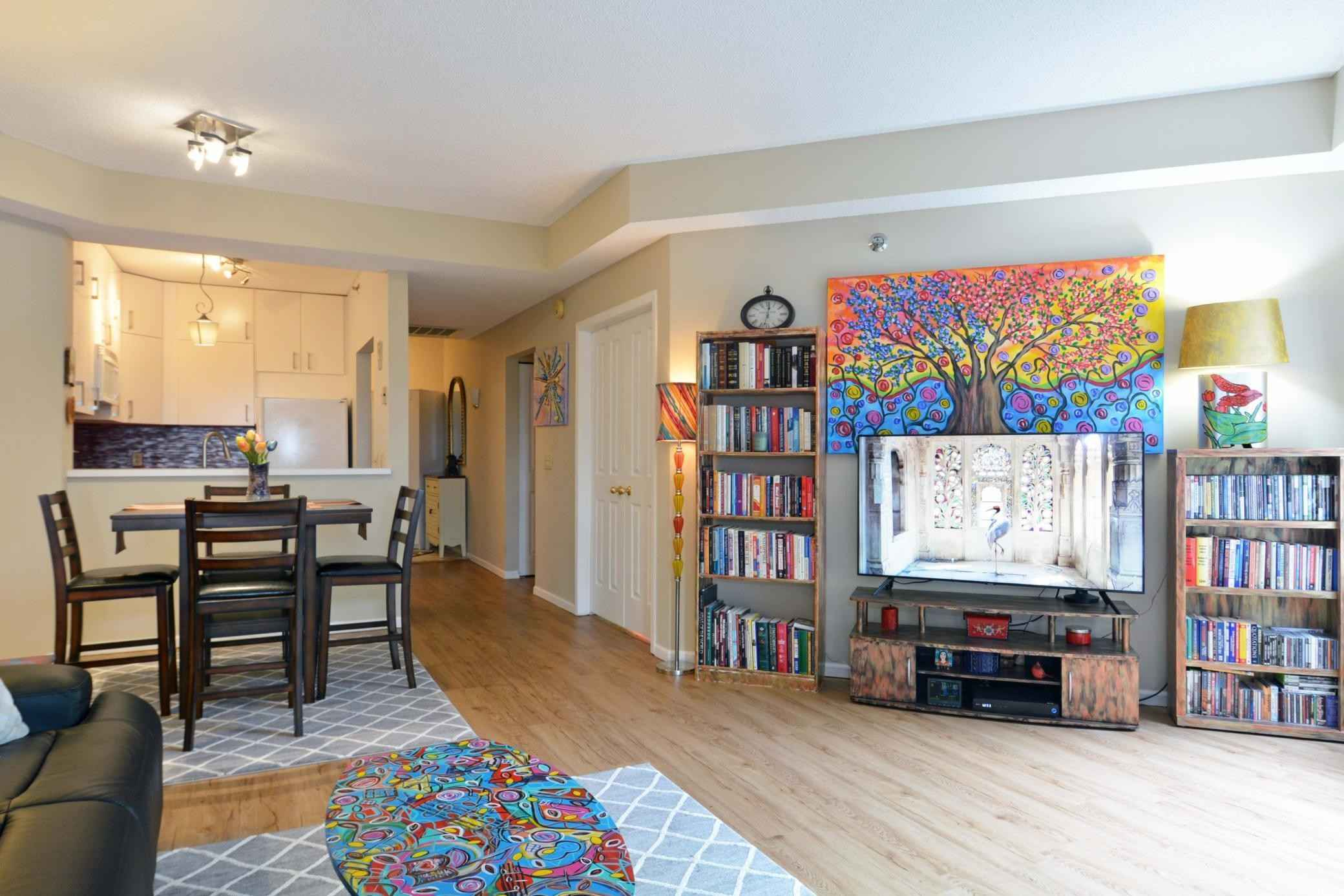 View 36 photos of this 2 bed, 1 bath, and 1,010 sqft. condo home located at 7500 Edinborough Way Apt 3206, Edina, Minnesota 55435 is Active for $289,000.