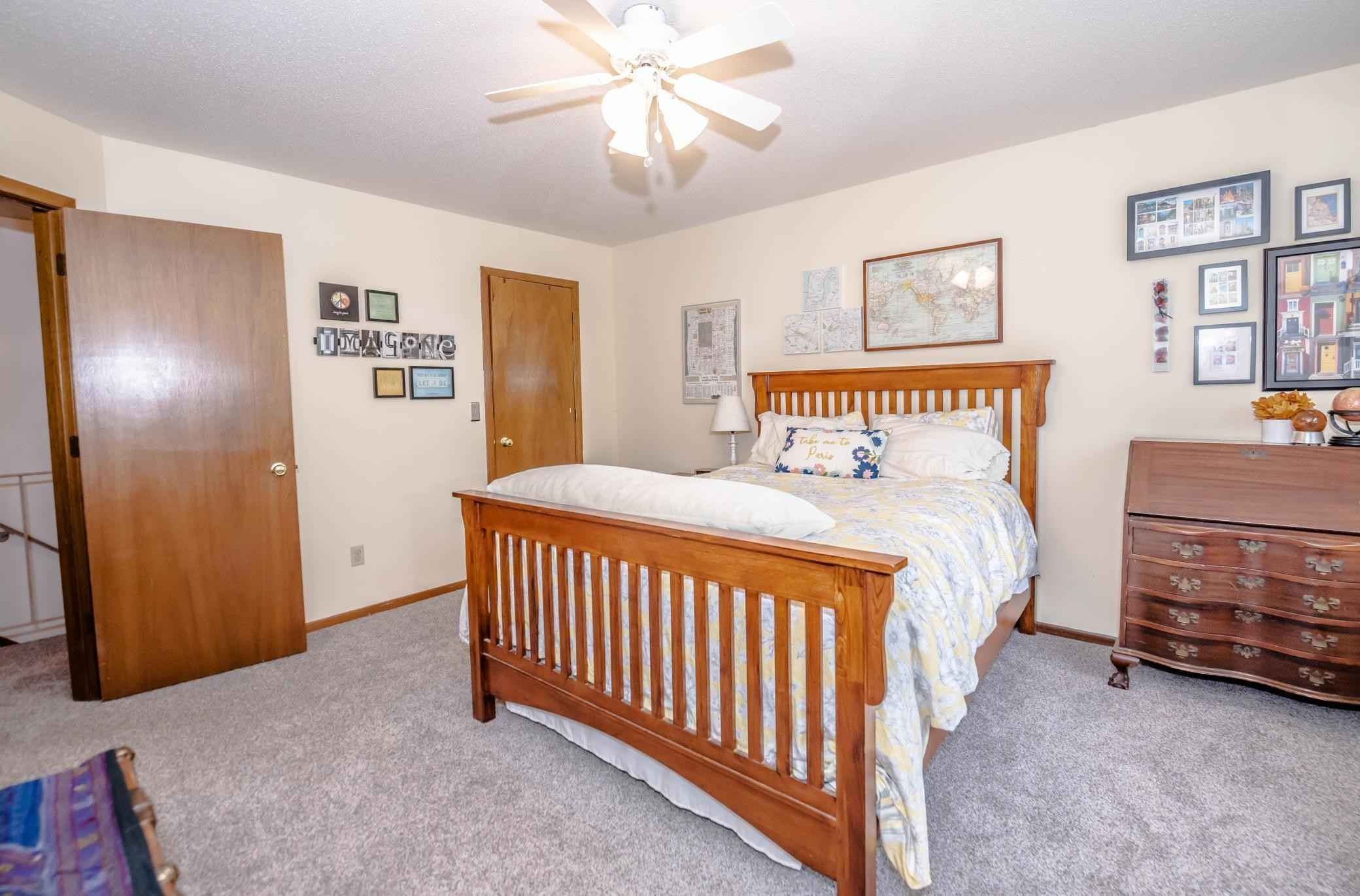View 25 photos of this 2 bed, 2 bath, and 1,100 sqft. condo home located at 7660 15th Street Ln N, Oakdale, Minnesota 55128 is Active for $189,000.