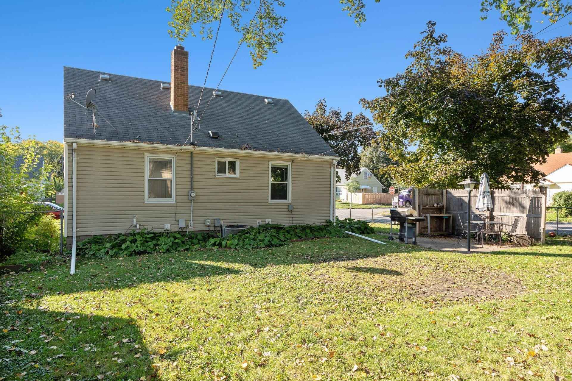 View 33 photos of this 3 bed, 1 bath, and 1,638 sqft. single_family home located at 1170 Flandrau St, Saint Paul, Minnesota 55106 is Active for $209,900.