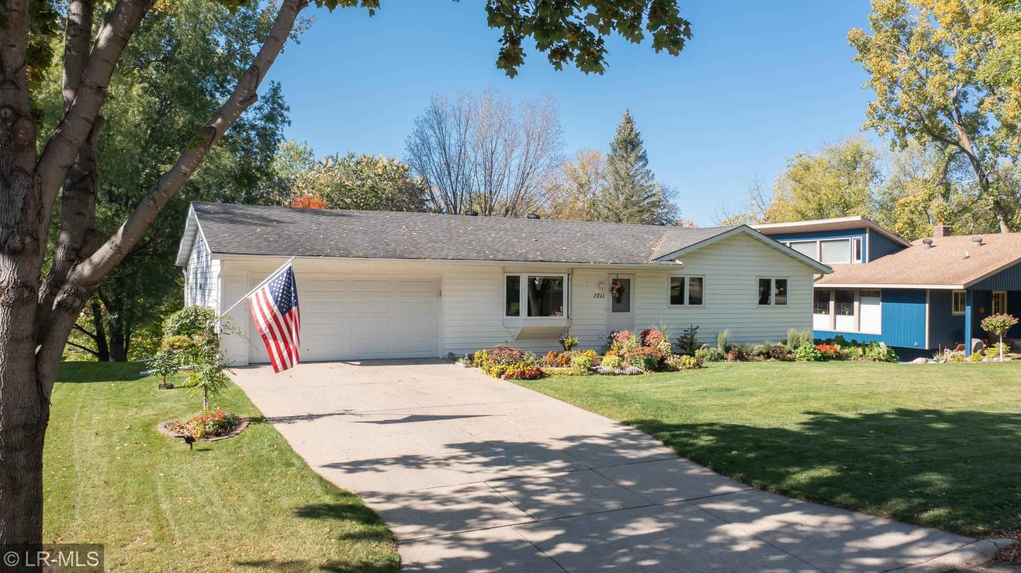 View 34 photos of this 5 bed, 2 bath, and 1,892 sqft. single_family home located at 1011 Sunset Dr, Fergus Falls, Minnesota 56537 is Active for $229,900.