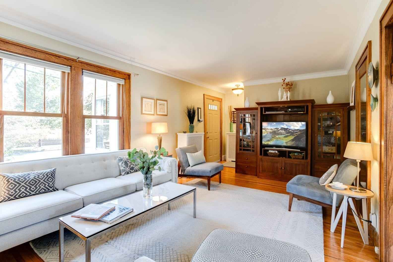 View 40 photos of this 3 bed, 2 bath, and 1,643 sqft. single_family home located at 367 Cretin Ave S, Saint Paul, Minnesota 55105 is Active for $424,000.
