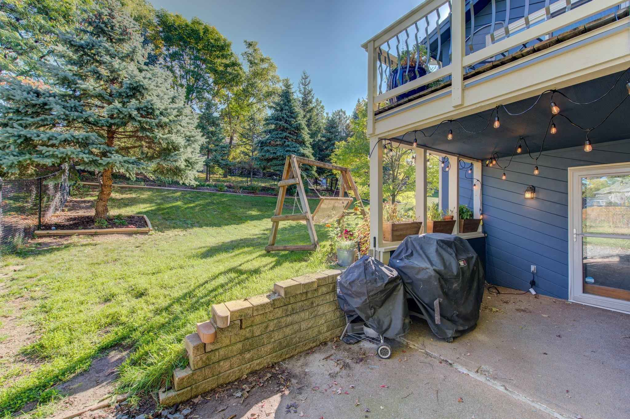 View 40 photos of this 3 bed, 3 bath, and 2,437 sqft. single_family home located at 9581 Yukon Ave S, Bloomington, Minnesota 55438 is _0 for $.