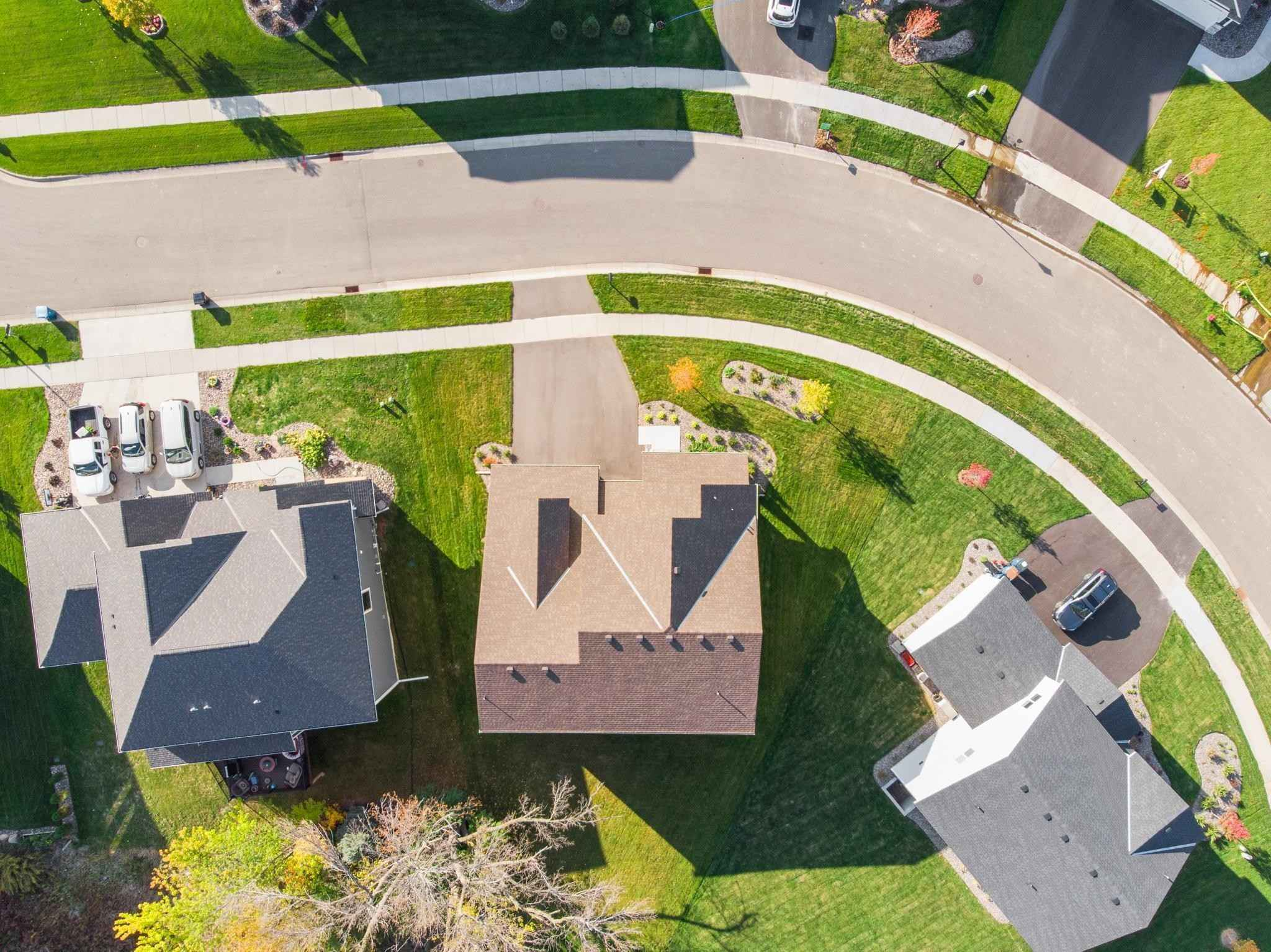 View 44 photos of this 6 bed, 5 bath, and 4,731 sqft. single_family home located at 7918 Shadyview Ln N, Maple Grove, Minnesota 55311 is Pending for $700,000.