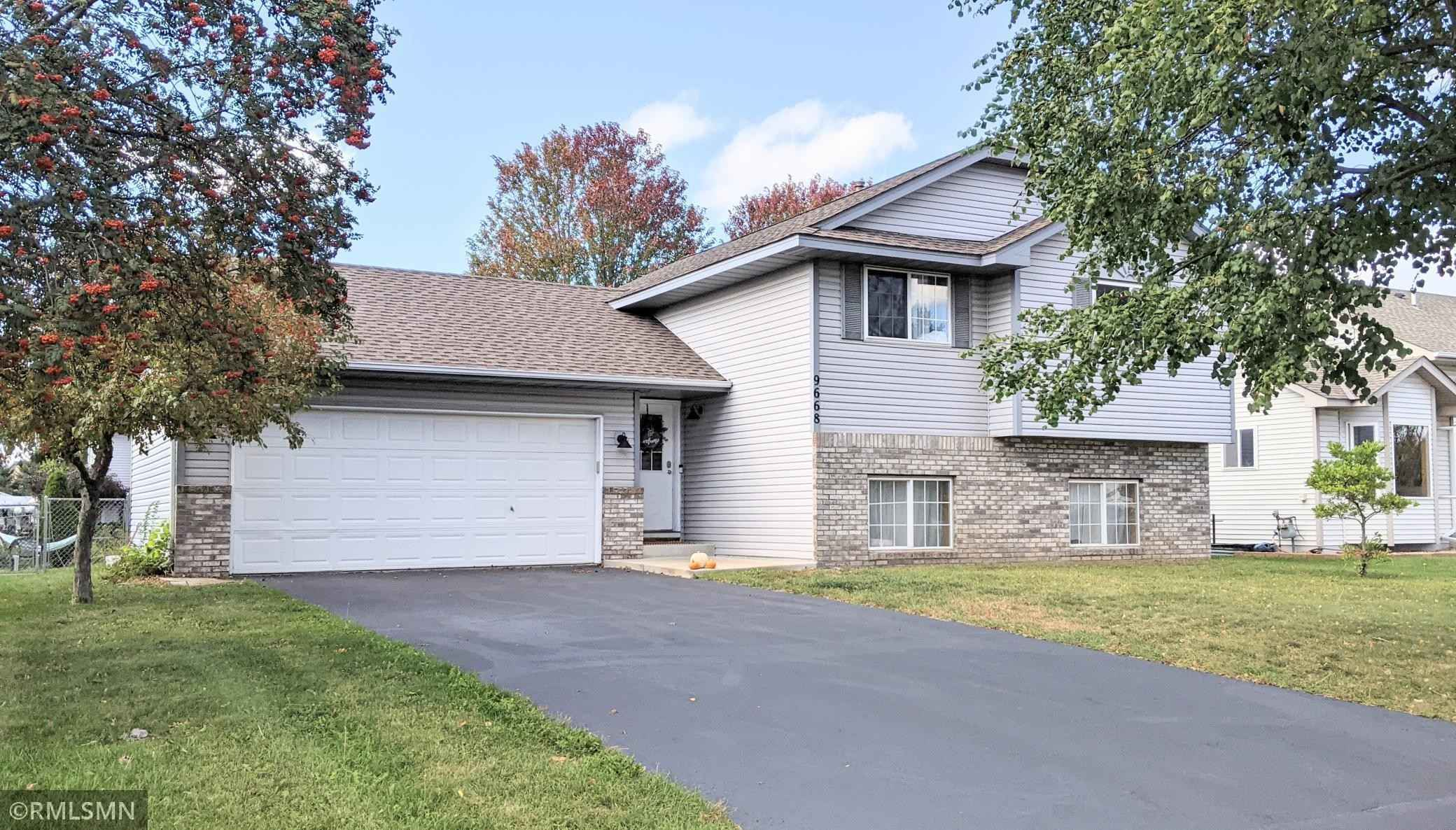 View 11 photos of this 3 bed, 2 bath, and 1,418 sqft. single_family home located at 9668 Hallmark Ave S, Cottage Grove, Minnesota 55016 is Pending for $289,900.