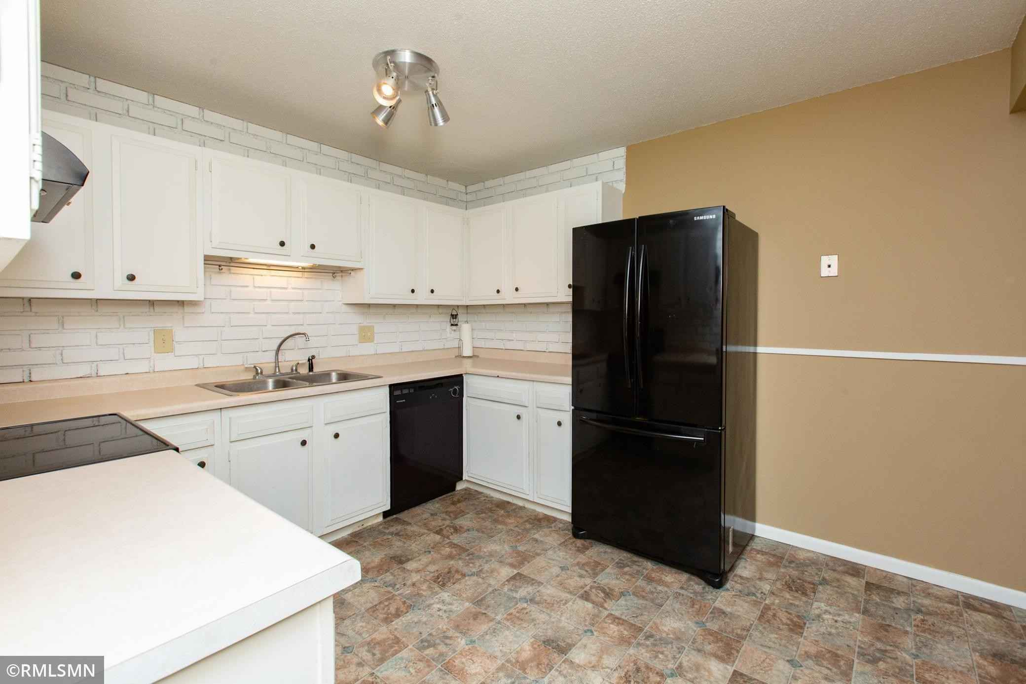 View 23 photos of this 2 bed, 1 bath, and 1,110 sqft. condo home located at 10717 Ilex St NW, Coon Rapids, Minnesota 55448 is Pending for $170,000.