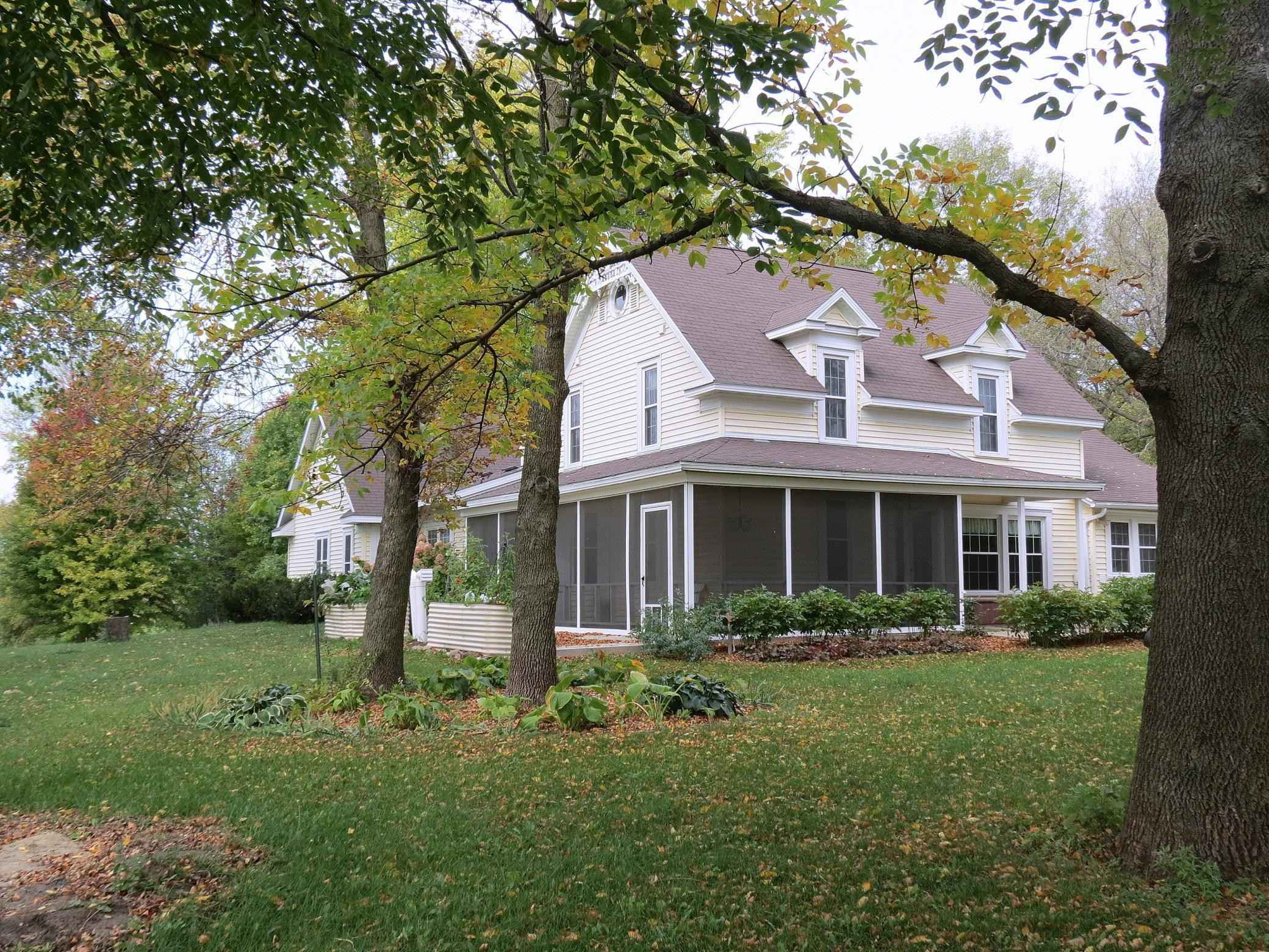 View 50 photos of this 6 bed, 3 bath, and 2,072 sqft. single_family home located at 3810 105th Ave SW, Willmar, Minnesota 56201 is Active for $375,000.