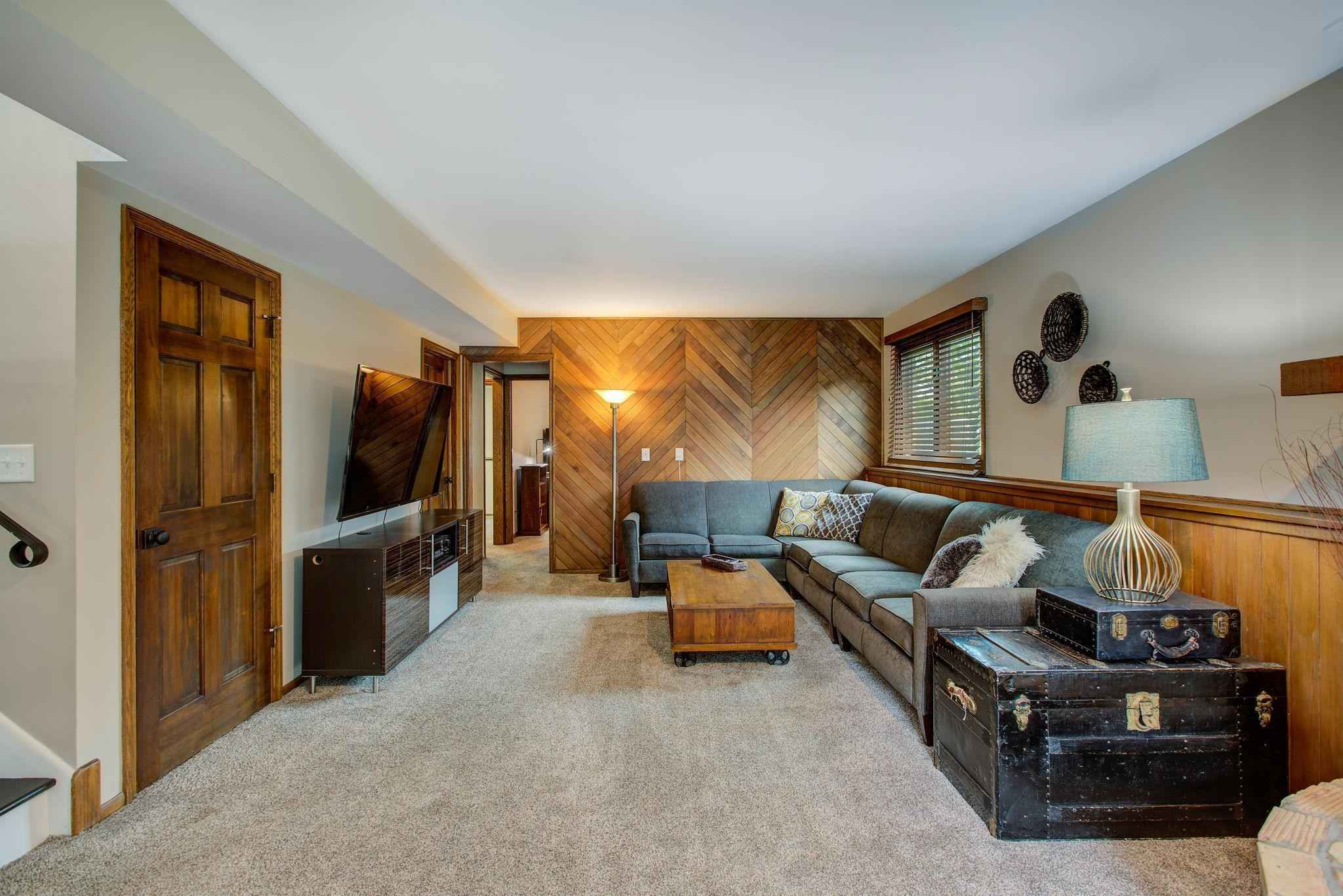 View 31 photos of this 4 bed, 3 bath, and 2,148 sqft. single_family home located at 1309 E 140th St, Burnsville, Minnesota 55337 is Pending for $389,900.