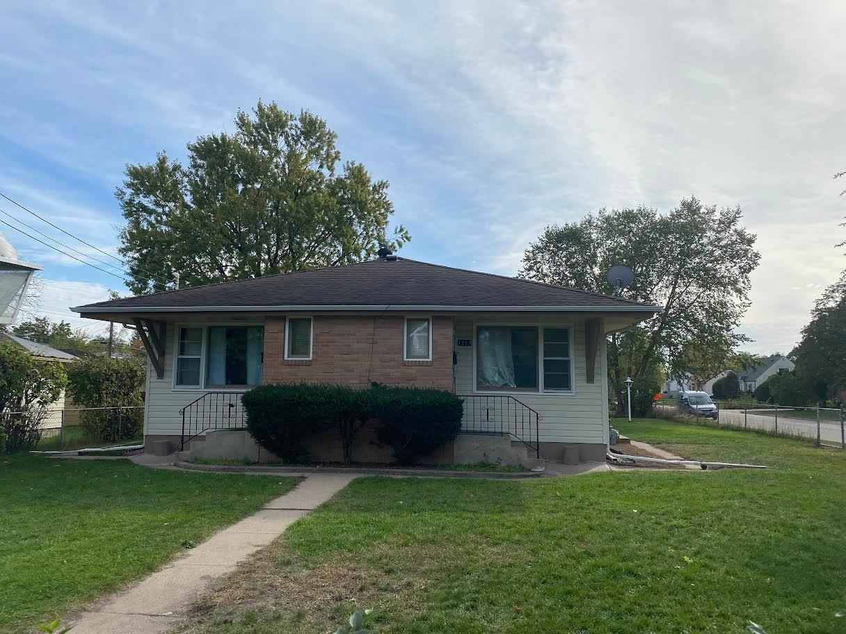 View 12 photos of this 4 bed, 2 bath, and 3,900 sqft. multi_family home located at 1215 54th Ave N, Brooklyn Center, Minnesota 55430 is Active for $349,000.