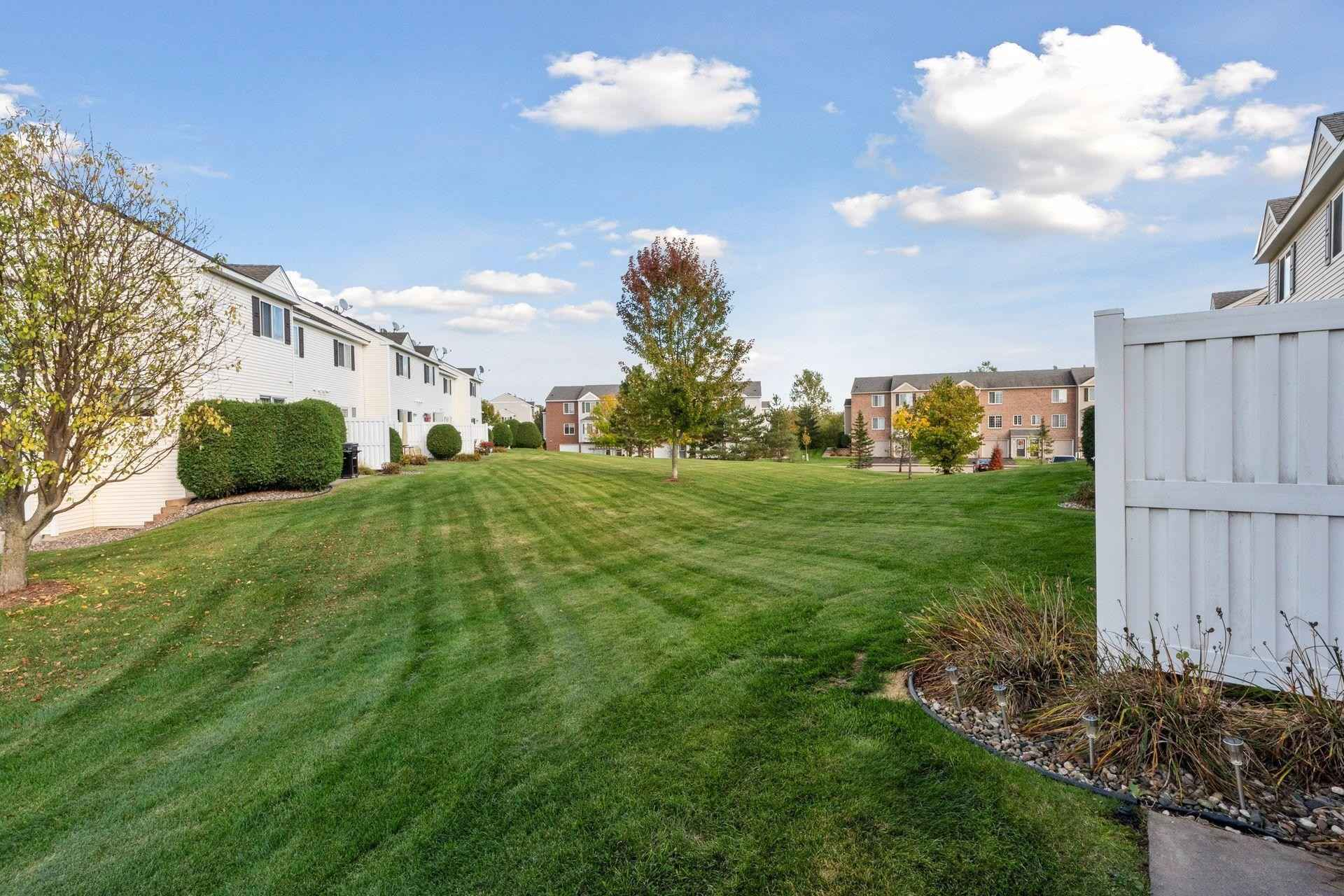 View 30 photos of this 2 bed, 2 bath, and 998 sqft. condo home located at 4948 Evergreen Dr N Unit 1, Hugo, Minnesota 55038 is Pending for $189,900.