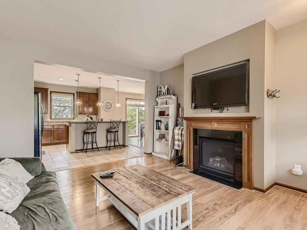 View 24 photos of this 2 bed, 3 bath, and 1,782 sqft. condo home located at 1552 Sumac Cir, Carver, Minnesota 55315 is Pending for $229,900.