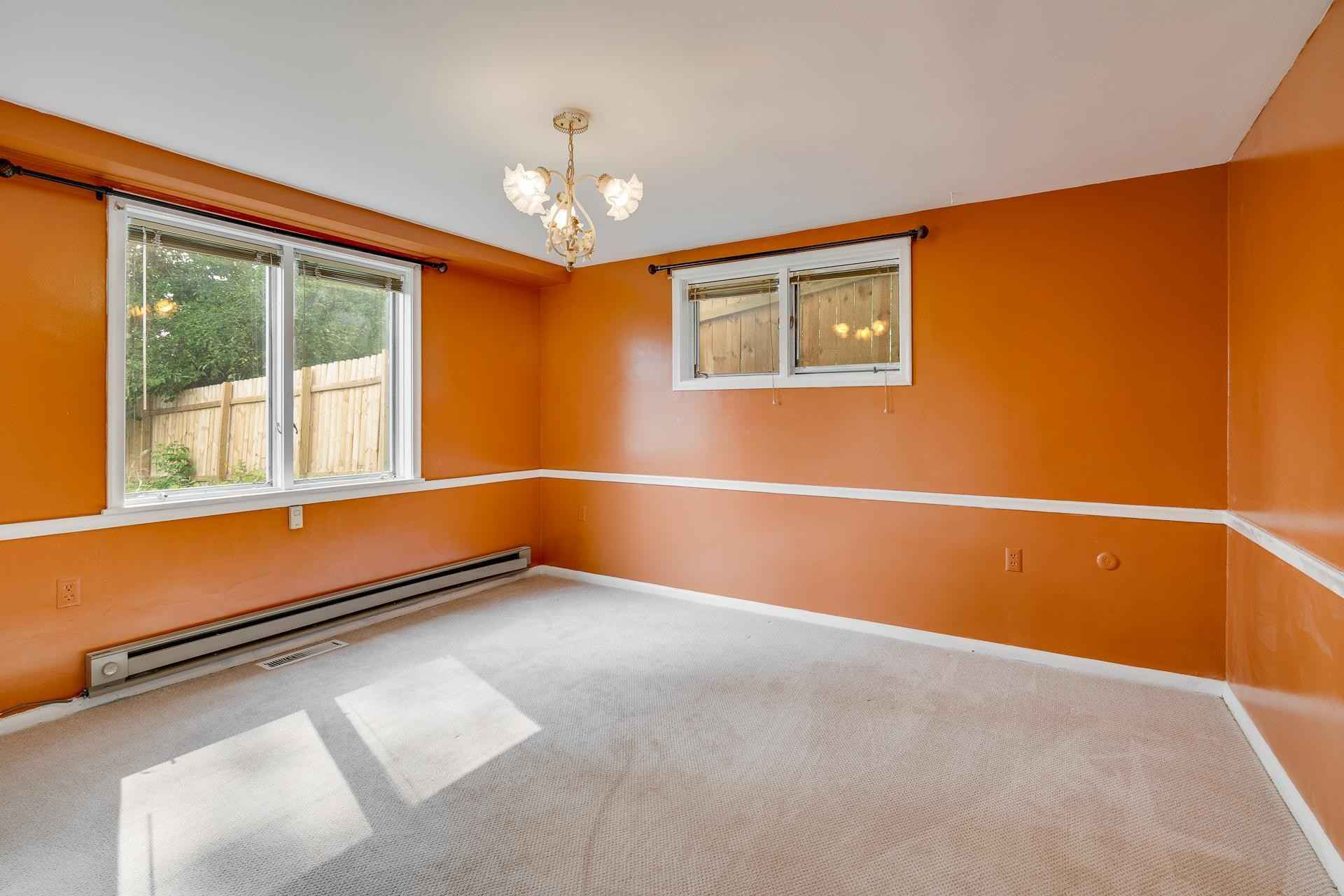 View 29 photos of this 5 bed, 3 bath, and 2,661 sqft. single_family home located at 2415 Edgcumbe Rd, Saint Paul, Minnesota 55116 is Pending for $400,000.